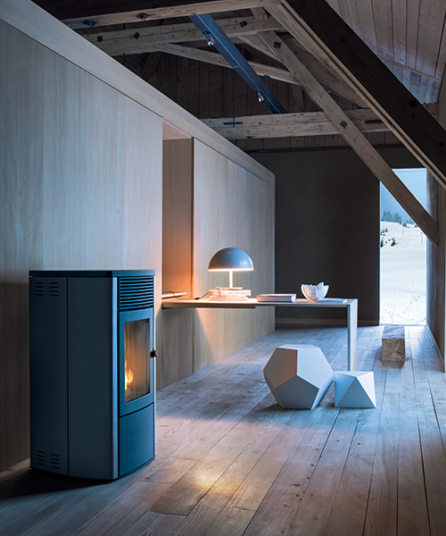 wasserf hrende pellet fen online katalog von heiz fen mcz. Black Bedroom Furniture Sets. Home Design Ideas